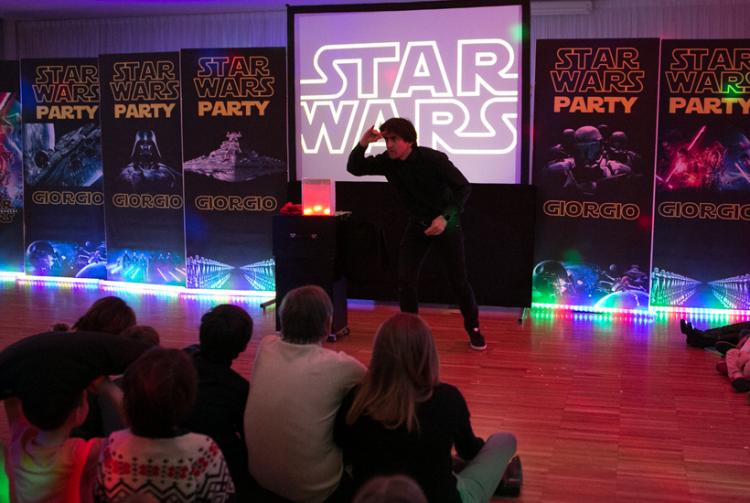 Come organizzare una festa di compleanno con spettacolo di magia